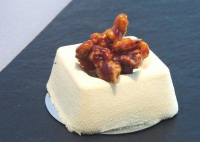 Mousse de queso con nueces
