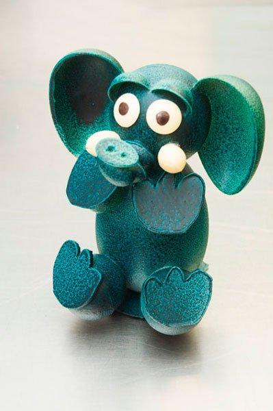 Mona elefante azul